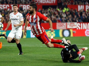 Penalti de Sergio Rico a Diego Costa