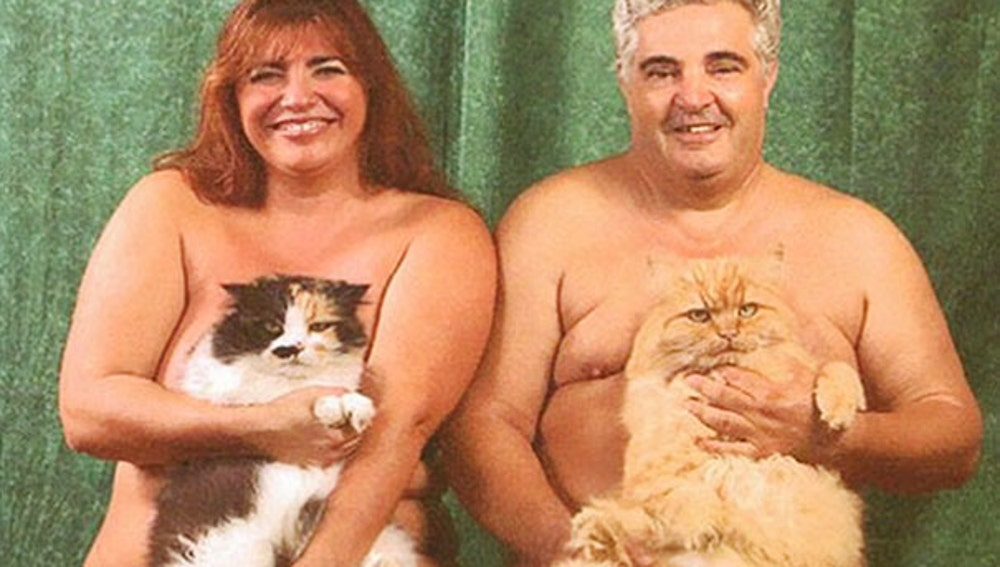 men-pose-cats-funny-vintage-16-5885f7a19b1cf__605.jpg