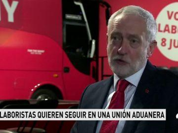 Corbyn marca distancias con May y reclama la permanencia en la unión aduanera tras el 'Brexit'