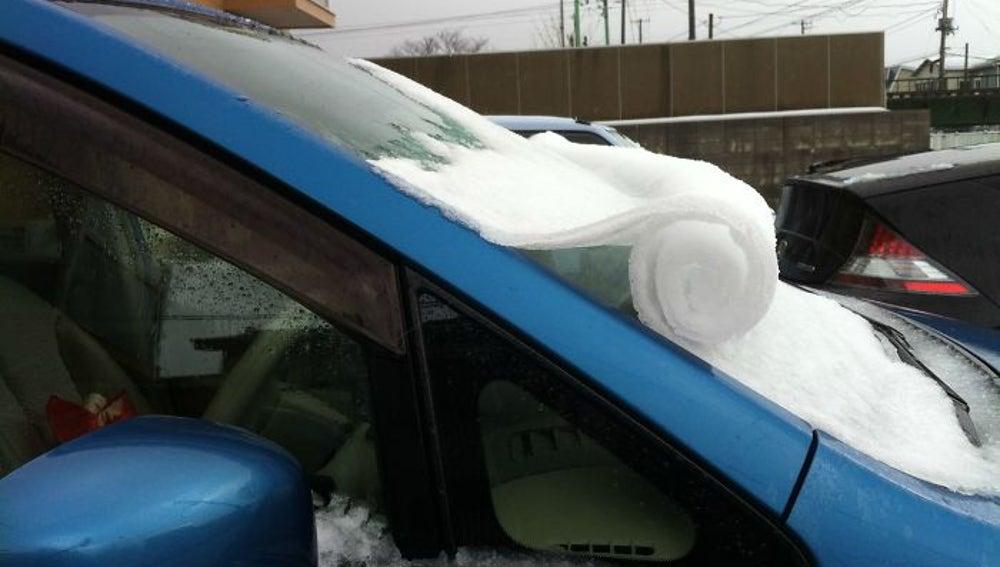 frozen-car-art-winter-frost-4-5880902eb4ac2__700.jpg