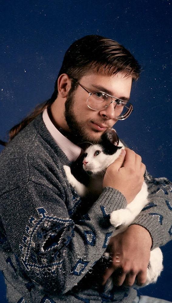 men-pose-cats-funny-vintage-17-5885f7a33a756__605.jpg