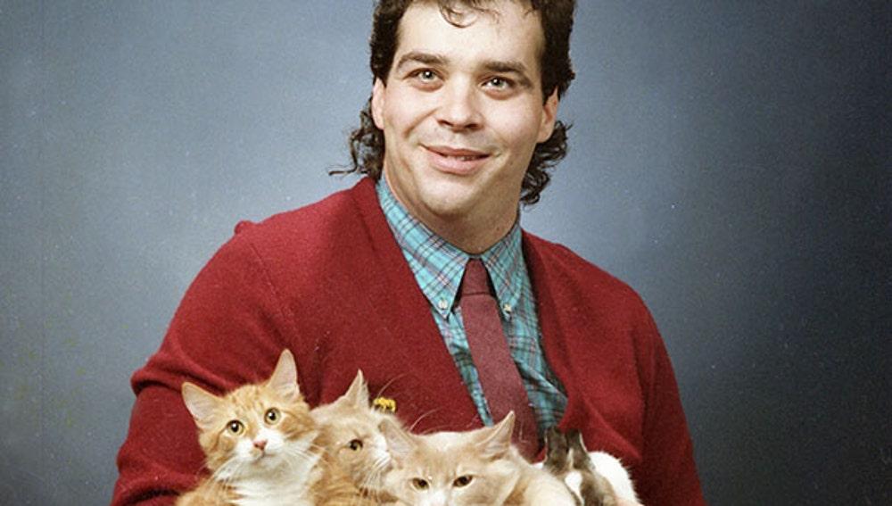 men-pose-cats-funny-vintage-7-5885f7900eadc__605.jpg