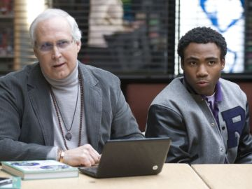 Chevy Chase y Donald Glover en 'Community'