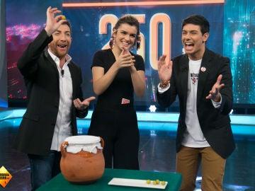 Amaia y Alfred regalan 450 euros a una persona del público de 'El Hormiguero 3.0'