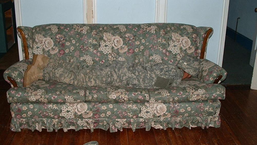 people-look-like-surroundings-camouflage-clothing-45__605.jpg