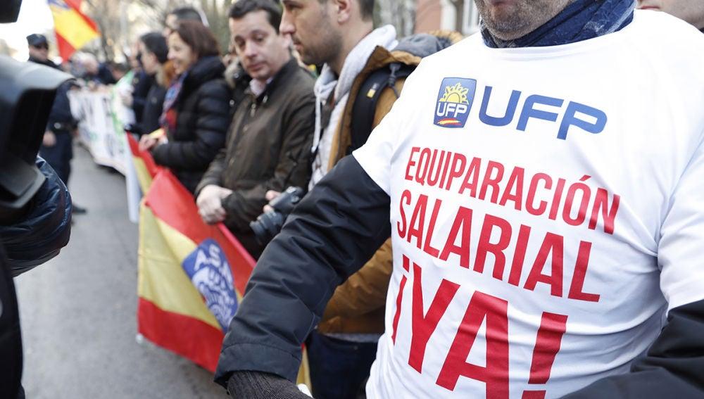 Miembros del sindicato piden la equiparación salarial
