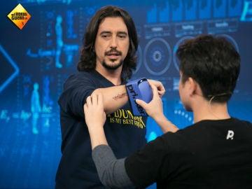 Marron trae a 'El Hormiguero 3.0' la impresora de tatuajes