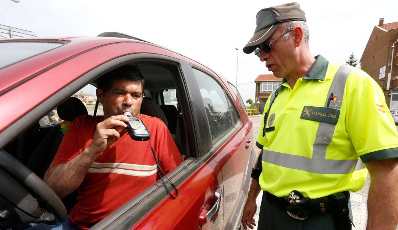 control-alcohol-dgt-guardia-civil-0617-01.jpg