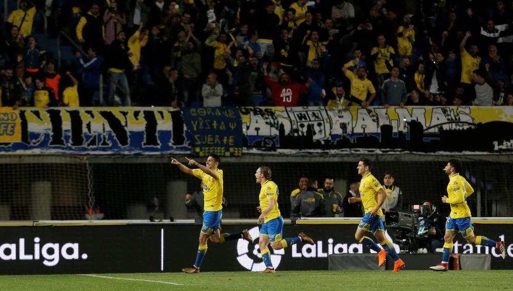 Calleri celebra su gol de penalti contra el Barça