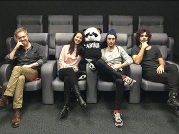 Los protagonistas de 'Fariña' viven el estreno en redes sociales