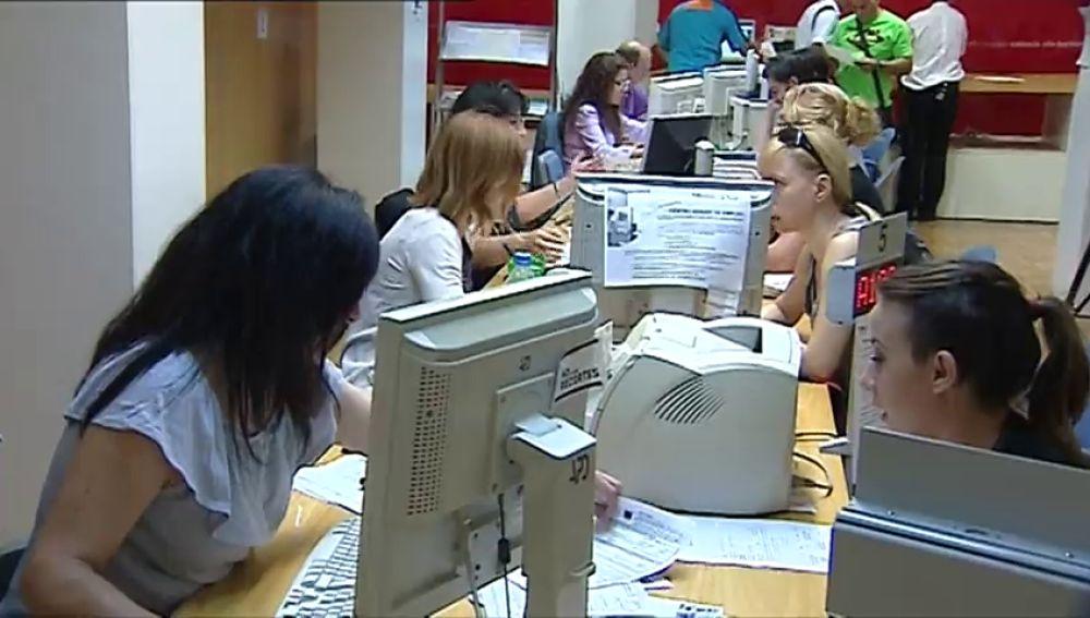 El paro femenino se incrementa en España más del doble durante la crisis