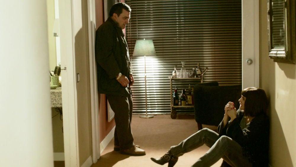 El Chatarrero, roto de dolor tras descubrir a Miguel y Carol besándose