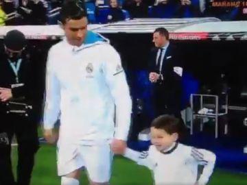 El niño que desató las risas de Cristiano Ronaldo