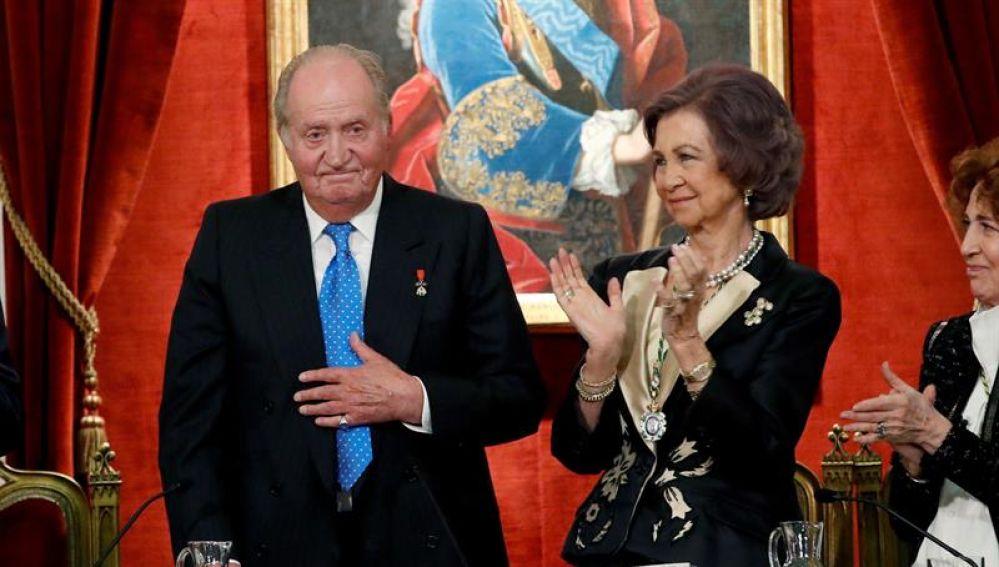 El Rey Juan Carlos junto a la Reina Sofía