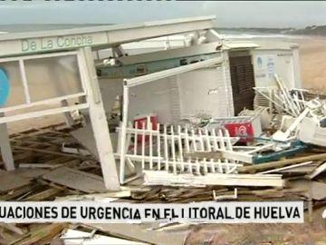 La temporada turística de Semana Santa corre peligro en las zonas más afectadas por el temporal de Cádiz y Huelva