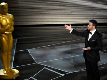 Jimmy Kimmel presentando los Oscar