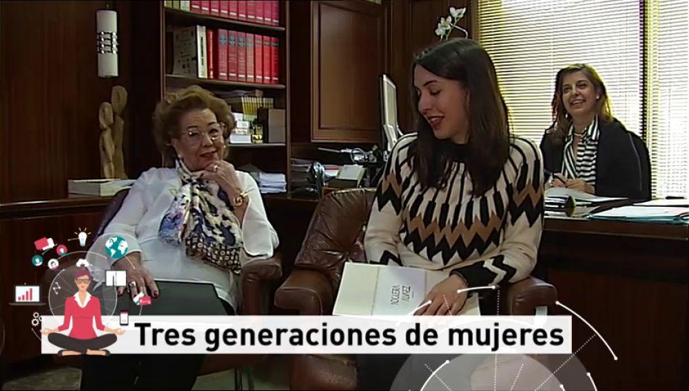 Tres generaciones de mujeres trabajando en su empresa