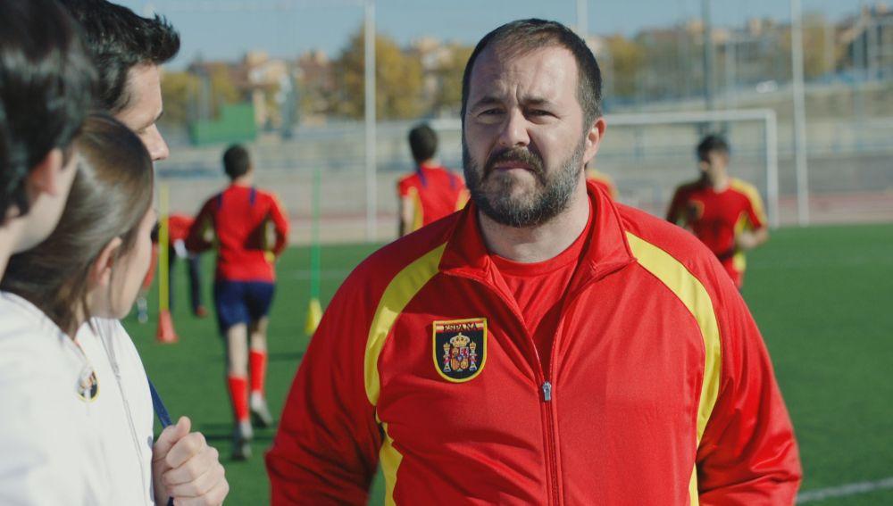 Ricardo Castella es el entrenador de la Selección de Fútbol