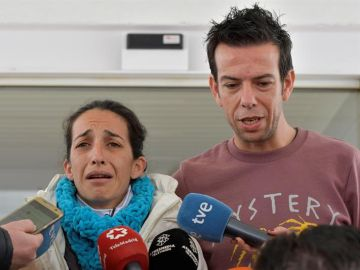 Patricia Ramirez junto a Angel Cruz, padres de Gabriel