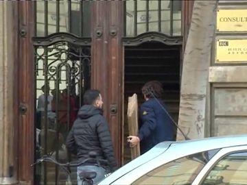 Registran el Palau y detienen al secretario de Difusión de la Generalitat por el uso de fondos públicos para el 1-O