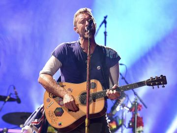 Coldplay y Ed Sheeran, entre otros, recrearán a Elton John en un nuevo disco