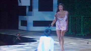 La 'premonición' del asesinato de Gianni Versace protagonizada por Naomi Campbell