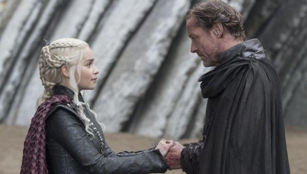 Reencuentro entre Daenerys Targaryen y Ser Jorah Mormont
