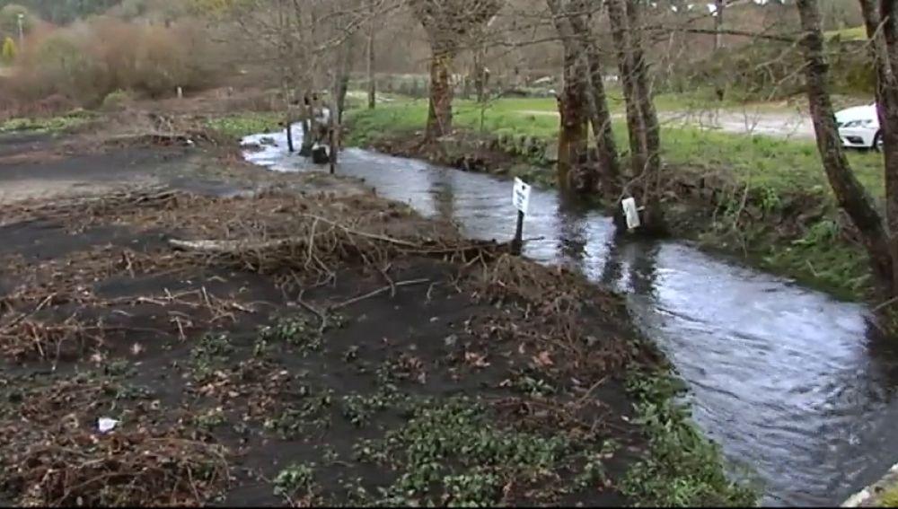 El arrastre de las cenizas de los incendios por el temporal 'Gisele' deja sin agua potable a Ribadavia, en Ourense