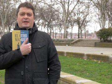 El extraño y sorprendente vídeo con el que Manuel Bartual nos presenta su primera novela