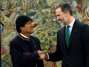 Evo Morales junto al Rey Felipe VI