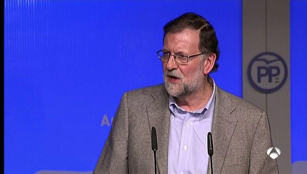 """Rajoy: """"Mientras esté en el Gobierno, el sistema de pensiones se mantendrá y las pensiones subirán"""""""