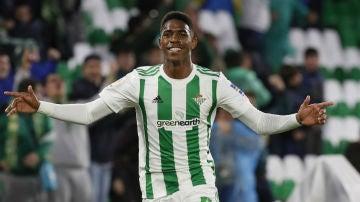 Junior celebra un gol
