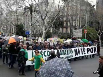 Miles de personas marchan en Barcelona en defensa de la inmersión lingüística