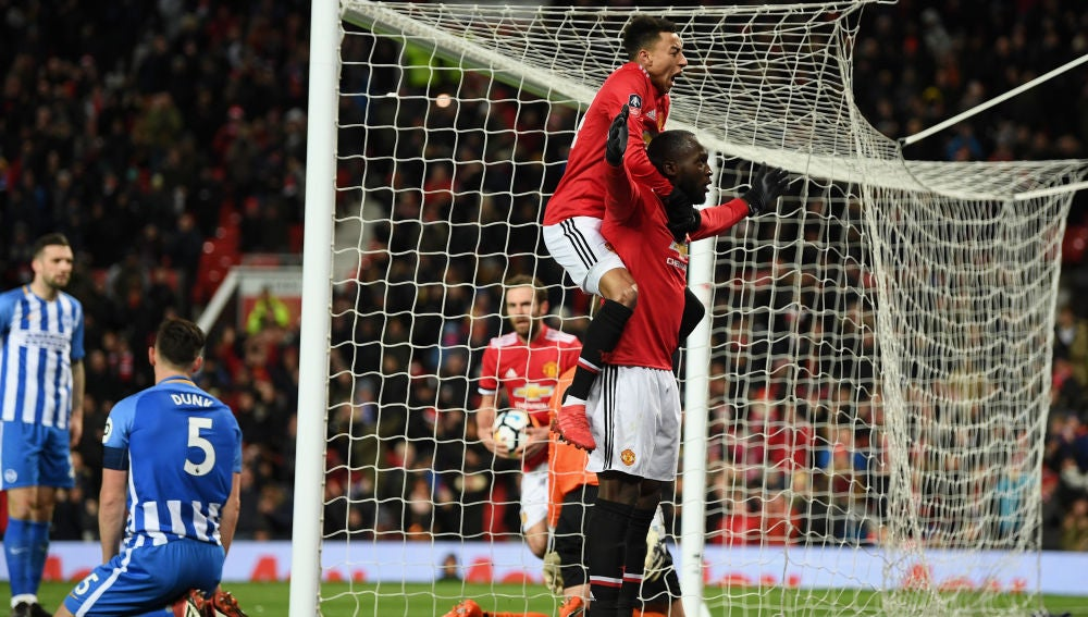 Lukaku celebra su gol con el Manchester United