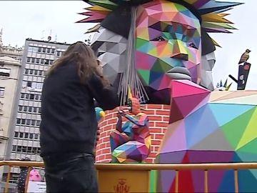 Los influencers descubren las fallas como arte urbano