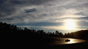 Daniel Ricciardo pilota el Red Bull en los test invernales en Montmeló