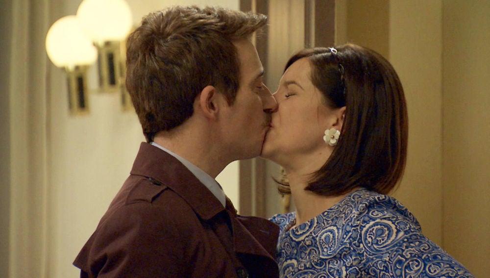 Durán sale de prisión y propicia un romántico encuentro con Marta