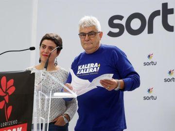 """El expreso de ETA José Antonio López Ruiz """"Kubati"""" y la dirigente de Sortu Ohiana Garmendia"""