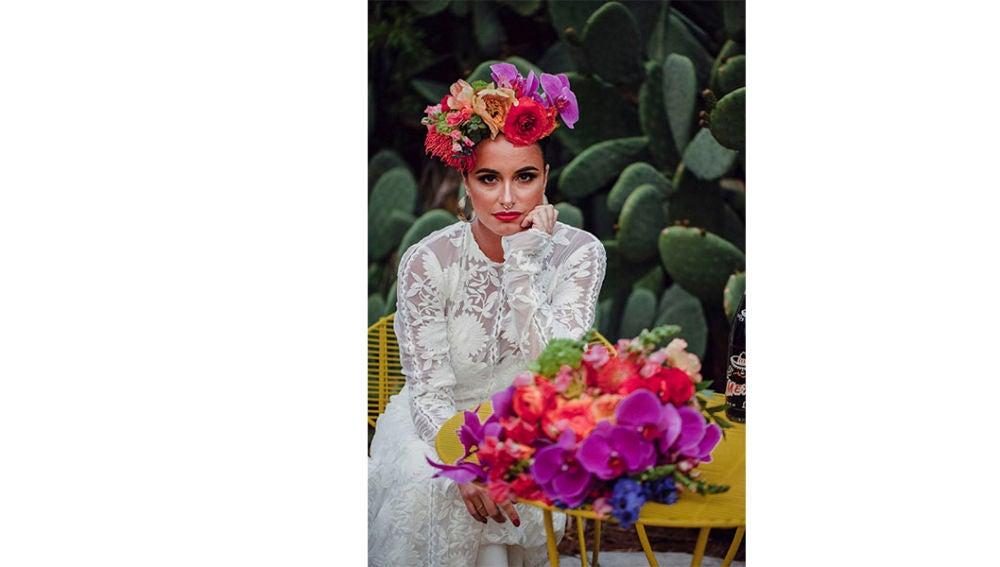 Con una gran influencia de la figura de Frida Kahlo