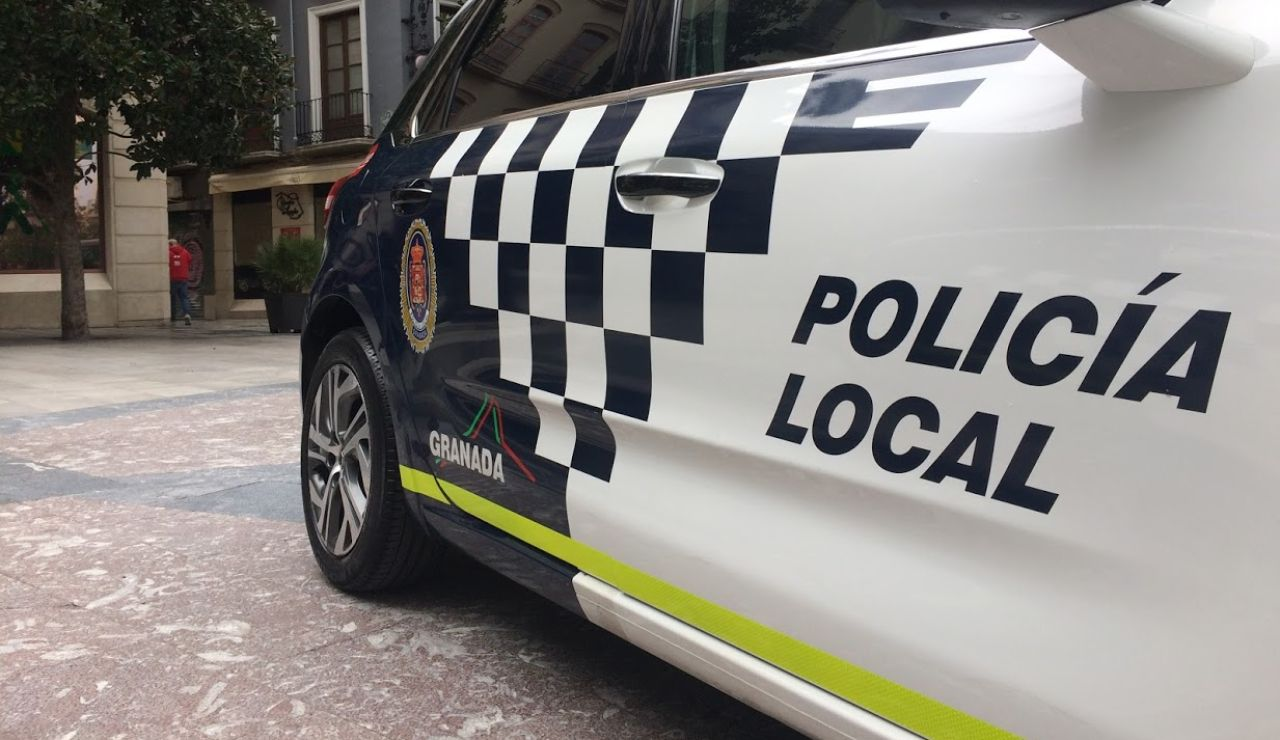 La policía local y los bomberos de Granada se plantan en semana santa