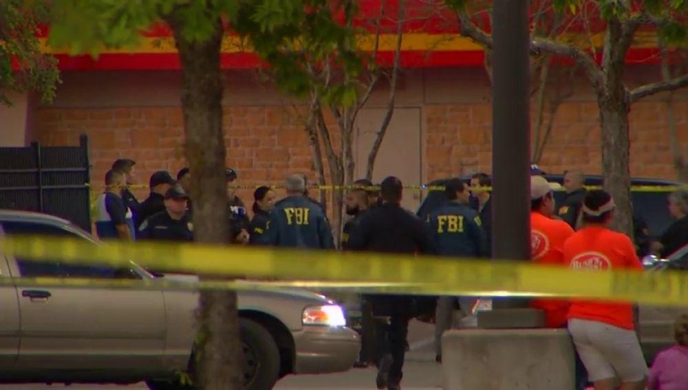 El supuesto responsable de las explosiones en Austin se suicida durante una operación policial