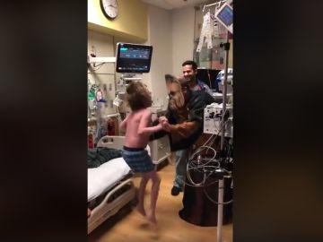 El momento en el que el cirujano le comunica que hay un corazón para él