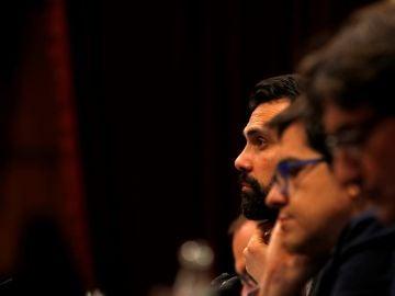 El presidente del Parlament, Roger Torrent,durante el pleno de investidura