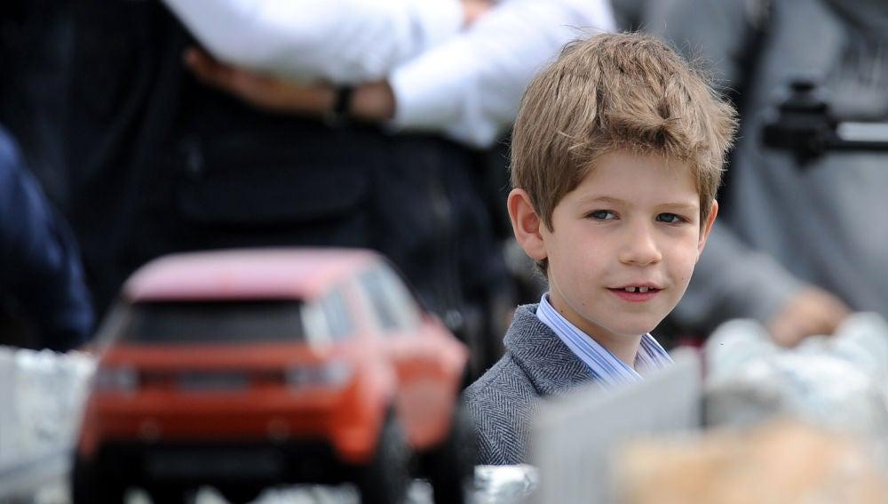 James, nieto de la reina Isabel II
