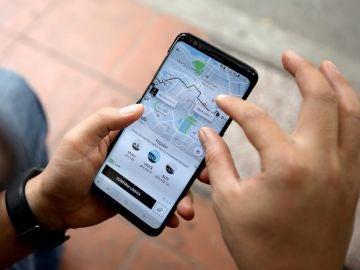 Uber y Cabify más baratos en trayectos medios y largos, y taxis en los cortos