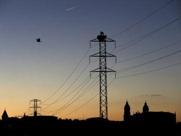 España tendrá mañana por sexta vez el precio eléctrico mayorista más bajo en la UE