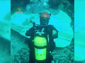 Un casco hundido encontrado este martes en Cala Sant Vicenç coincide con la matrícula de un velero desaparecido desde el viernes