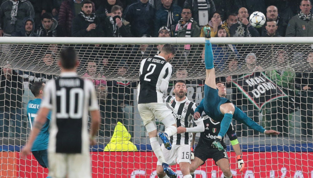 Cristiano Ronaldo anota de chilena en el Juventus Stadium