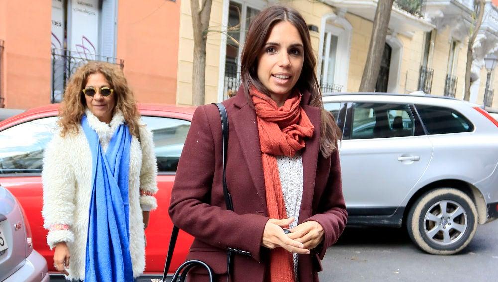 Elena Furiase y Lolita Flores tras su visita al ginecólogo