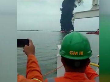 Al menos cuatro muertos por un incendio en una refinería en  Indonesia